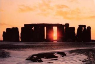 img-stonehenge