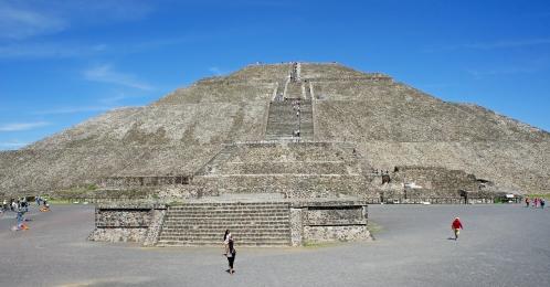 Sun_Pyramid_05_2015_Teotihuacan_3304.JPG